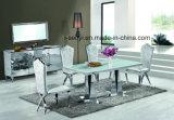 La parte superior de cristal templado de las piernas de acero inoxidable mesa de comedor