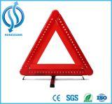 Alto triángulo amonestador de la luz que contellea de la visibilidad