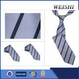 Corbata barata de la raya del encanto de los hombres