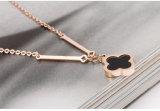 女性のローズの金のクローバーのネックレスの卸売