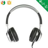 Alta qualità del fornitore sopra la cuffia all'ingrosso stereo collegata cuffia avricolare del trasduttore auricolare