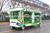 Petit chariot de vente pour vendre les aliments de préparation rapide et les légumes