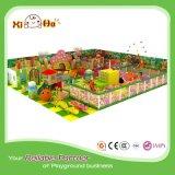 Cour de jeu d'intérieur commerciale de terrain de jeux d'enfants