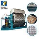 Máquina de la bandeja del huevo de la celulosa del Ce con la máquina que moldea que forma los equipos