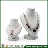 Vertoning de van uitstekende kwaliteit van de Halsband van de Juwelen van het Linnen