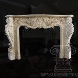 Mano classica di grande qualità - scultura di marmo intagliata del camino