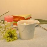 Sostenedor de vela de cerámica del color de la cera del rasgón del exterior blanco del final con la capacidad 12oz
