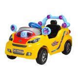 Fahrt auf Auto-Fernsteuerungsauto (HT-99823)