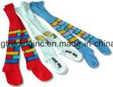 La calcetería trabaja a máquina industrial