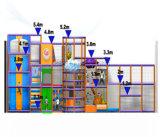 Campo de jogos interno grande do divertimento do elogio para miúdos