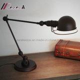 Lâmpada de tabela pequena do ferro moderno do projeto simples para a sala de visitas