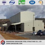 Pianta industriale di alto aumento della struttura d'acciaio con la gru