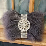 2017 Le plus récent mode d'hiver Artificial Fur Evening Clutch Purse Femme sac à main avec bijoux Sy8443
