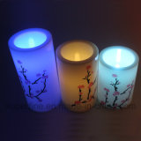 プラム花パターンが付いている模造明滅LEDのプラスチック柱の蝋燭は印刷した
