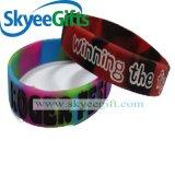 Wristband divertente della gomma di silicone della tintura su ordinazione del legame