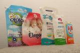 口のプラスチック洗浄液体袋の洗濯洗剤の包装を立てなさい