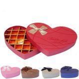 قلب شكل شوكولاطة يعبر صندوق