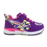 Los zapatos coloridos de los niños para el Velcro del muchacho y atan para arriba los zapatos diseñan calidad mucho buena
