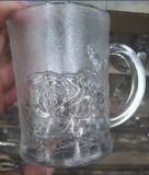 ステッカーの花のビールのジョッキのガラス製品Sdy-J0018が付いている曇らされたガラス