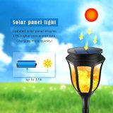 El parpadeo de las llamas de la luz exterior solar con nuestra propia patente de diseño