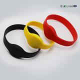 Bracelet confortable coloré fournisseur en caoutchouc de silicones de bracelet de large variété
