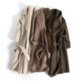 Mesdames Albaka l'autruche, recto-verso, le cachemire manteau avec la courroie