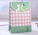 Personalize o saco de presente de papel para panos e artesanato