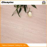 2018 La conception de céréales en bois de tuiles de vinyle/PVC/plastique de planches de PVC sur la vente des revêtements de sol