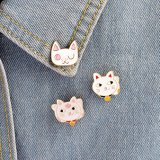 Смешной милый значок кота колокола шаржа для одежд, крышек, мешков