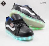 Le confort neuf d'éclairage LED de mode de type folâtre des chaussures