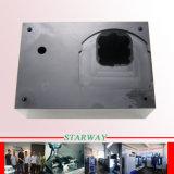 Kundenspezifischer Soem-ODMCNC, der mit POM Material und Aluminium CNC-maschinell bearbeitenteilen maschinell bearbeitet