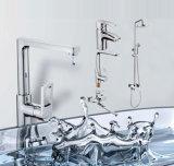 Faucet longo moderno do banheiro do bico com jogo do chuveiro