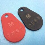 Het embleem dunne duurzame MIFARE Klassieke 1K Overmolded RFID Keyfob van de laser