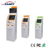 Assegno, contanti, fatturazione, stampante A4 ed atmosfera del chiosco di pagamento