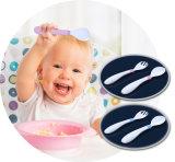 陶磁器の幼児の挿入のフォーク