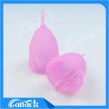 Cuvette menstruelle matérielle de silicones médicaux réutilisables confortables