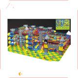 El parque de atracciones se divierte el castillo de salto del patio de interior del cuadrado del equipo de la gimnasia para los niños