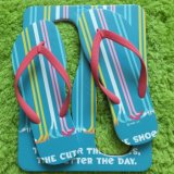 Flops Flip для женщин, тапочек женщин самого лучшего пляжа лета больших, сандалий ушивальника платформы женщин больших широких с рамкой