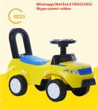 Le véhicule d'oscillation de bébé de roues des marcheurs 4 de scooter d'enfants badine le véhicule de jouet