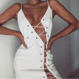 La mujer sexy vestido blanco diario de la fasciola