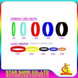 最もよい渦巻カラーおよびDebossのロゴの価格によって個人化されるシリコーンのブレスレット