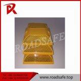 Riflettore di plastica della vite prigioniera della strada degli occhi di gatti della strada privata di sicurezza della carreggiata
