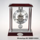 Relógio de mesa de madeira sólido antigo com pêndulo