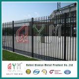 鋼鉄によって溶接される装飾用の棒杭の囲いかやりの上の錬鉄のOrnamentalの塀