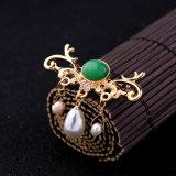 Großzügige Form Diamant-Verkrustete hängende Dame Pearl Brooch Pin Jewelry