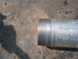 Gute Qualitätshohes Zink-Beschichtung-mildes Kohlenstoff-Gewinde galvanisiert ringsum Rohr mit blauen Schutzkappen