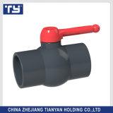 ASTM DIN標準Tyは製造業者の高品質PVCプラスチックによって通される/Scoket球弁の接合箇所の値段表を決め付ける