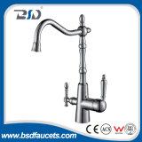 Faucet montado plataforma da cozinha da maneira do misturador três da água bebendo do cromo
