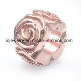 Lo smalto Rosa copre i monili accessori