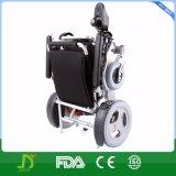 Fauteuil roulant électrique avec un bouton pour la capacité de poids courante